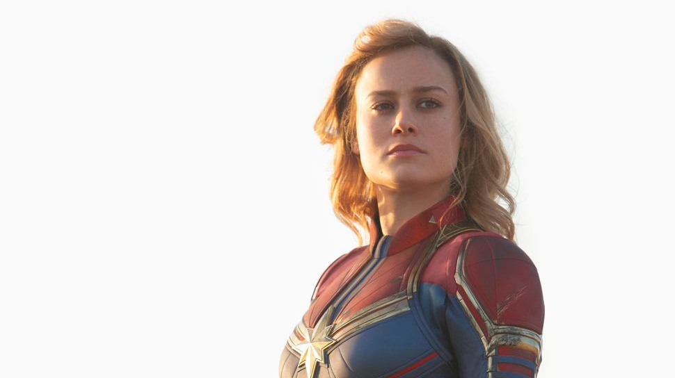 captain-marvel-red-and-blue-vertical